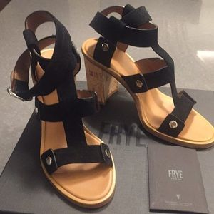 FRYE Strap Around the Ankle Black Suede Sandals